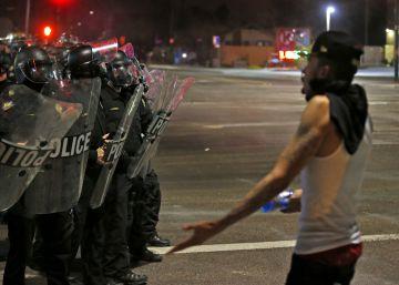 La relación entre policías y negros entra en un nuevo nivel de tensión