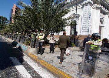 Un policía muerto y más de 20 heridos en un atentado contra una comisaría en Venezuela
