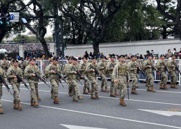 Los militares argentinos vuelven a protagonizar una fiesta patria 16 años después