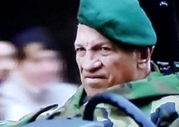 Polémica por la presencia de un militar golpista en el desfile por los 200 años de Argentina