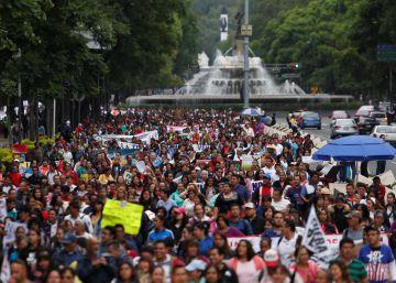 México y los maestros disidentes entierran el hacha para negociar