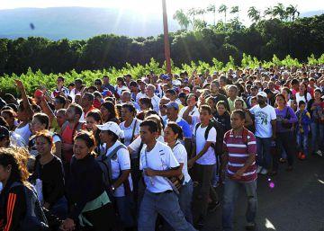 Más de 40.000 venezolanos cruzan la frontera con Colombia en busca de alimentos