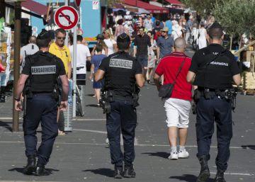 """""""Lleva 5 armas a C."""", escribió por SMS el terrorista de Niza minutos antes del atentado"""