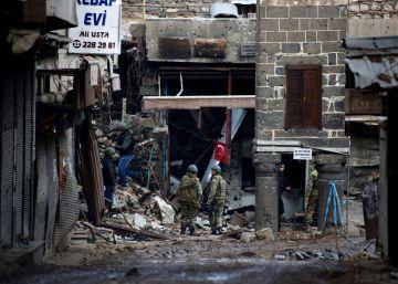 Los kurdos rechazan el golpe pero cargan contra el Gobierno