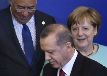 Europa advierte a Erdogan contra la instauración de la pena de muerte