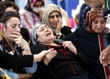 La purga turca ya alcanza a unos 20.000 militares, jueces y policías