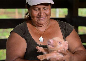 La campesina que planta cara al Canal de Nicaragua