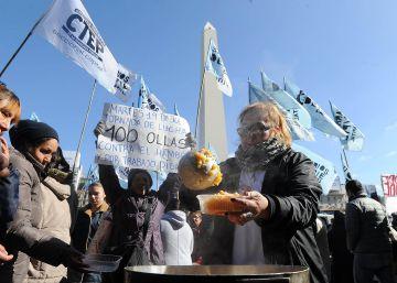 Con 100 ollas populares piden alimentos y viviendas a Mauricio Macri