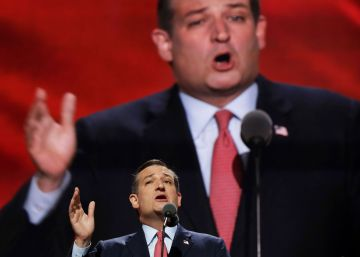 Ted Cruz booed at Republican Convention for refusing to endorse Trump