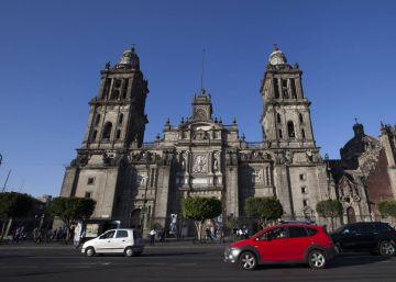 La Ciudad de México prohíbe a los microbuses entrar al Zócalo