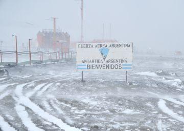 Argentina anuncia vuelos comerciales a la Antártida