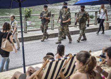 Los medios debaten si publicar las fotos de los terroristas