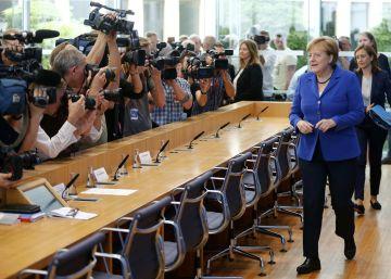 Merkel descarta un giro en su política migratoria tras los últimos ataques yihadistas