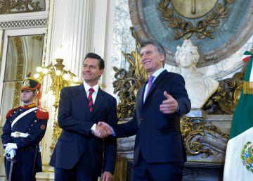 Mauricio Macri recibe a su par mexicano Enrique Peña Nieto en la Casa de Gobierno.