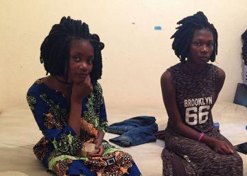 Los niños africanos que se quedan en el camino