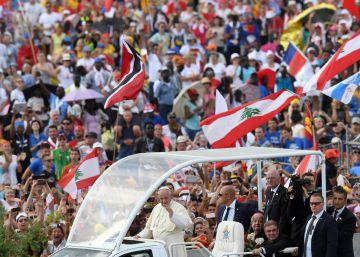 """El Papa pide a los jóvenes que creen una nueva humanidad """"sin odios ni barreras"""""""