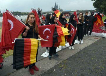 """Las relaciones entre Berlín y Ankara atraviesan """"baches"""""""