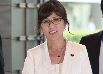 Una ultraconservadora asume la cartera de Defensa en Japón