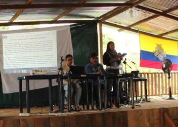Las FARC reaparecen ante la población sin permiso del Gobierno