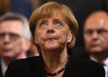 La popularidad de Merkel se desploma tras los ataques terroristas