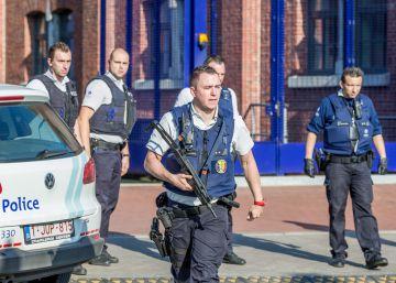 Dos policías heridas al ser atacadas con un machete en Bélgica