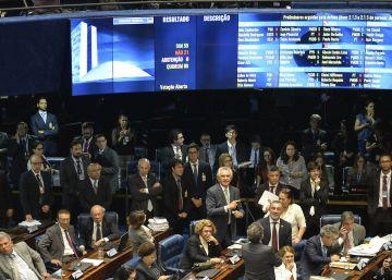 El Senado brasileño inicia la recusación de Rousseff