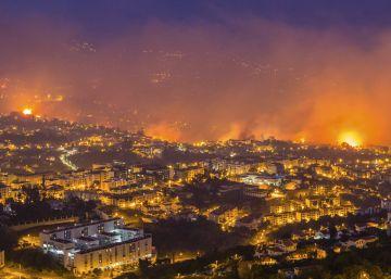 Las llamas amenazan el centro histórico de la capital de Madeira