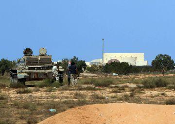 Fuerzas progubernamentales toman un importante bastión del ISIS en Libia