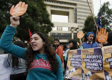 El embarazo de una niña de 11 años enciende el debate del aborto en Chile