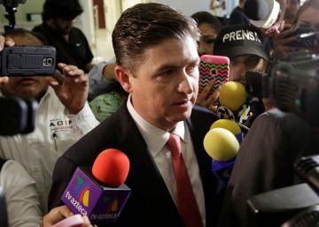 Un exgobernador mexicano enfrenta cargos por corrupción