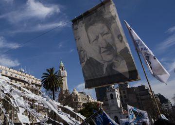 Con críticas a Macri, las Madres de Plaza de Mayo celebran 2.000 rondas