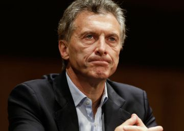 Insultos y piedras contra Mauricio Macri en un acto oficial