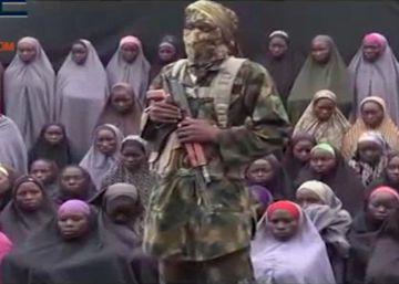 Boko haram muestra a 50 supuestas niñas raptadas