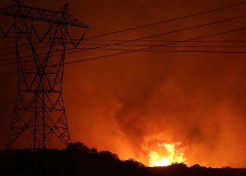 82.000 personas evacuadas en California por un gigantesco incendio