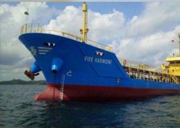 Buscan en Indonesia un petrolero que ha desaparecido en un puerto malasio