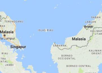 Trece muertos al hundirse una barca de turistas en Indonesia