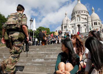 París pierde un millón de turistas por el miedo al terrorismo y las huelgas