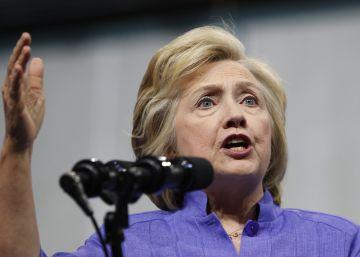 El escándalo de los correos de Clinton puede empañar su candidatura hasta noviembre