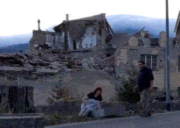 Al menos 247 muertos y 368 heridos en un terremoto de magnitud 6 en Italia