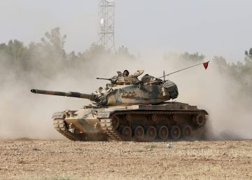 Por terra e ar, Turquia ataca o último bastião fronteiriço do Estado Islâmico na Síria