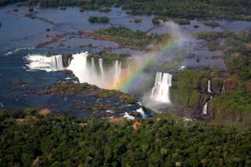 La cercanía con las Cataratas del Iguazú también potencian el proyecto.