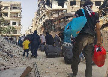 Los rebeldes entregan un bastión próximo a Damasco tras cuatro años de asedio