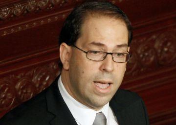 Túnez avala un nuevo Gobierno: más joven, más mujeres, los mismos retos