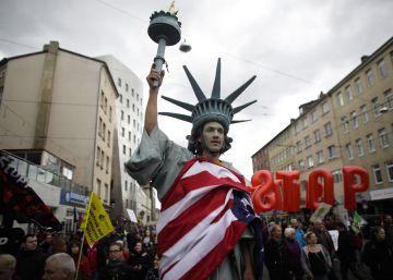 La UE y EE UU insisten en que la negociación sigue viva