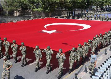 Turquía ordena la detención de otros 35 periodistas en sus purgas tras el golpe