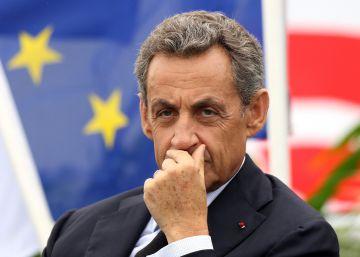 La fiscalía pide que se juzgue a Sarkozy por financiación ilegal