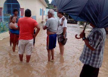 La Baja California Sur aguanta los vientos del huracán Newton