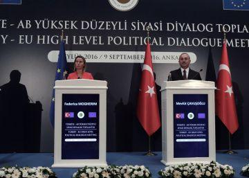 La UE y la OTAN buscan rebajar la tensión con Turquía