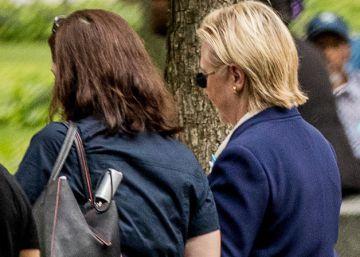 Hillary Clinton abandona los actos del 11-S mareada por una neumonía