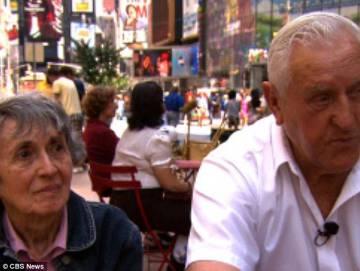 Greta Zimmer y George Mendonsa en Times Square en 2012.